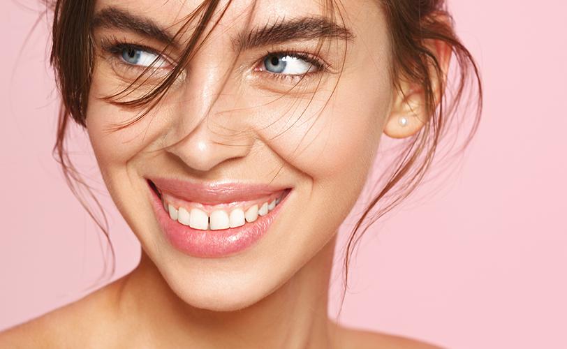 Les conseils INNOXA pour prendre soin et maquiller ses lèvres sèches et sensibles.